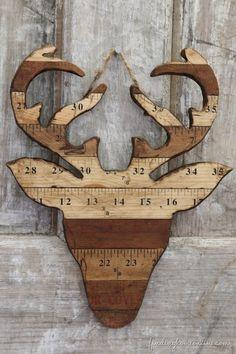 DIY silhouette de renne avec des règles en bois