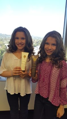 These cutie patooties Bianca 7 Chiara D'Ambrosio love our Shampoo & Conditioner! You probably recognize these pint size chicas from Parks & Recreation, and the Young & The Restless.   #niucoco #allnatural #coconutoil #toxinfree #haircare #coconut #hair #beauty #celebs