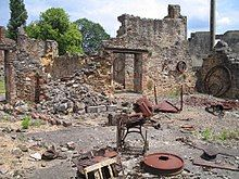 Masakr v Oradour-sur-Glane – Wikipedie Rust Belt, Color Theory, Firewood, Mount Rushmore, Cabin, House Styles, World, Travel, Image