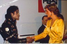 Michael Jackson meets Princess Diana & Prince Charles - July/16/1988   16 July 1988 Princess Diana with Michael Jackson at his Wembley concert.