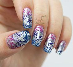 Gradient Feathers nails Bundle Monster + Lucy's Stash Collaboration Stamping Plate & GIVEAWAY! http://www.lucysstash.com/2015/10/bundle-monster-lucy-s-stash-collaboration-stamping-plate-giveaway.html
