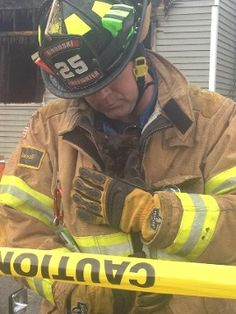 Firefighters returning to the scene of a nighttime fire the next day found two cold, wet kittens hiding beneath a couch in a basement apartment. They took the kittens to a safe place, then warmed them up and fed them. Read more