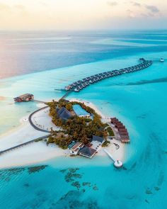 Dream Vacation Spots, Vacation Places, Honeymoon Destinations, Vacation Trips, Dream Vacations, Places To Travel, Maldives Vacation, Road Trip, Wanderlust