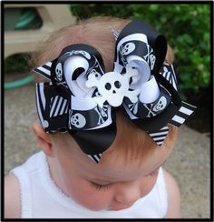 Girly PIRATE Skull layered boutique bow headband by andJane Ribbon Hair Bows, Diy Hair Bows, Making Hair Bows, Bow Making, Halloween Hair Bows, Black And White Ribbon, Pirate Skull, Diy Hair Accessories, Boutique Bows