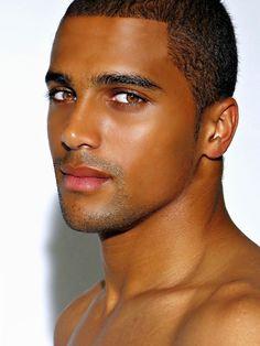 Damn this guy is so hotttt! Black Men Beards, Handsome Black Men, Handsome Faces, Handsome Man, Gorgeous Black Men, Beautiful Men Faces, Beautiful Babies, Lovely Eyes, He's Beautiful