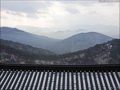 금수산정방사의 수려한 경치  photo by Bang, Chulrin /Architect group CAAN