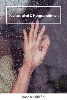 Depressiviteit en hoogsensitiviteit door Esther Bergsma | nov 3, 2016 | kenmerken, volwassenen | 5 reacties Somberheid over hoe mensen met elkaar omgaan, verdriet over kleine en grote gebeurtenissen in je leven, gebrek aan energie om 'leuke' dingen te doen. Klinkt dat herkenbaar? Dit zijn symptomen van een depressie, maar hoogsensitieve mensen ervaren ook vaak deze emoties. In dit blog meer over de relatie tussen depressiviteit en hoogsensitiviteit.  Stoornis of eigenschap Depressie en ...