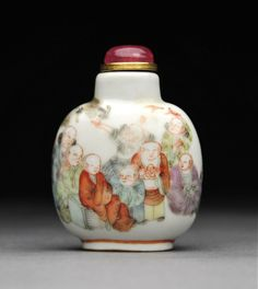 A Daoguang Porcelain Snuff Bottle with 18 Luohan