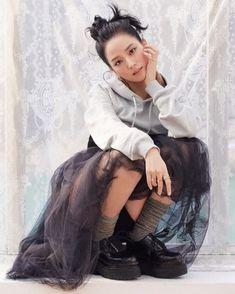 Kim Jisoo Blackpink, South Korean Girls, Korean Girl Groups, Black Pink ジス, Elle Magazine, Blackpink Photos, Blackpink Fashion, Ladies Day, Kpop Girls