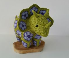 Such a sweet crochet triceratops