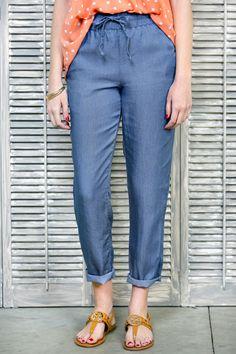 Chambray Drawstring Pants Cute Casual Outfits, Chic Outfits, Fashion Outfits, Simply Fashion, Stylish Clothes For Women, Drawstring Pants, Affordable Clothes, Pants Outfit, Chambray