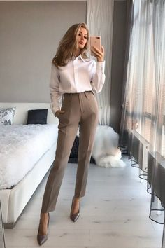 Classy Business Outfits, Classy Work Outfits, Business Casual Attire, Trendy Outfits, Fashion Outfits, Business Professional Outfits, Women's Business Clothes, Business Casual For Women, Fall Work Outfits