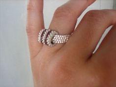 Add bracelet w 5 or 7 loops Diy Beaded Rings, Beaded Bracelets, Jewelry Rings, Jewelery, Ring My Bell, Beaded Jewelry Designs, Ring Earrings, Creations, Beaded Jewelry