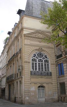 Hôtel du Barry 2bis et  2ter rue de la Jussienne Paris 75002. Architecte : Pierre Quirot-Le-Jeune.