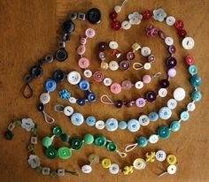 A Homemaker's Journal: button bracelet tutorial