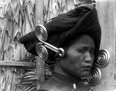 * femme Karo-Batak (Nord Sumatra) bijoux en argent (Padoengs)