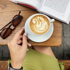 Cappuccinos, Coffee Cafe, Latte, People, Food, Kaffee, Essen, Meals, People Illustration