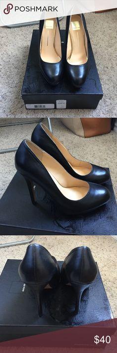 Dolce Vita Blk Pumps Never worn. Original box included Dolce Vita Shoes Heels