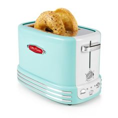 Nostalgia New and Improved Retro Wide Toaster Perfect For Bread, English Muffins, Bagels, 5 Browning Levels, With Crumb Tray & Cord Storage – Aqua Retro 2, Look Retro, Look Vintage, Retro Toaster, Vintage Toaster, Bagels, Fixer Upper, Breakfast Station, Rezepte
