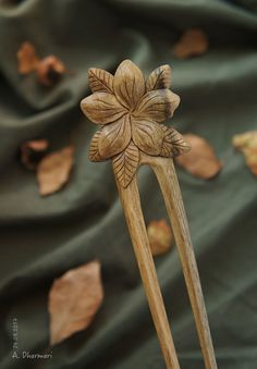 "52$ Handmade wooden hairpin by Dharmari workshop  #wood_art #gift_for_her #hairpin #comb #wooden_comb #wooden_hairpin #fork #hairstick #original_gift #handmade_gift #DharmariWoodArt #woodcarving #Dharmari #hair_decoration #hair_accessories  Купить Заколка для волос ""Indian Summer"" в интернет магазине на Ярмарке Мастеров"