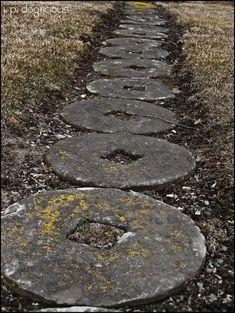 Cochran Anspach House  millstone walkway