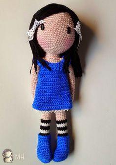 Gorjuss Amigurumi crochet pattern (in Spanish) Crochet Diy, Crochet Amigurumi Free Patterns, Crochet Doll Pattern, Love Crochet, Beautiful Crochet, Crochet Doll Clothes, Knitted Dolls, Crochet Dolls, Amigurumi Doll