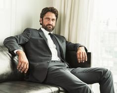 Gerard Butler Thinks He Needs to Smile More in Paparazzi Photos | Vanity Fair (I don't think so xD)