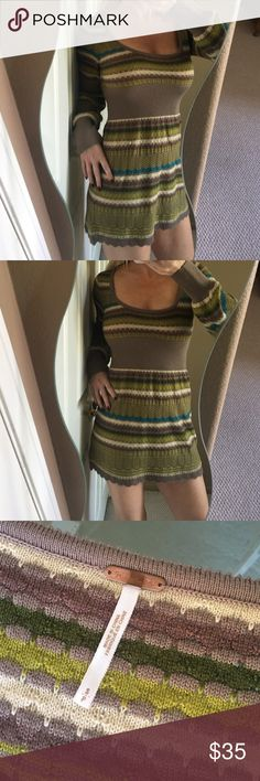 ✨Free People Crochet Knit Dress✨ Super cute and comfortable Free People crochet dress! Scoop neck, bell sleeves, empire waist, and stripes. Greens, taupe, white and light blue colors. In excellent condition! Perfect dress for autumn! ❤️ Free People Dresses Midi