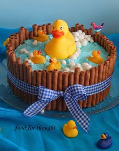 Food for thought: Τούρτα παπάκια Fondant Icing, Fondant Cakes, Rubber Duck Birthday, Cake Decorating Designs, Baby Girl Cakes, Mini Cakes, Baby Shower Cakes, Food For Thought, How To Make Cake