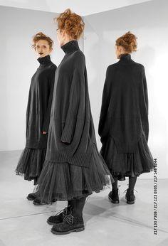 Shop Rundholz Merino Wool Oversized Dress from idaretobe authorised UK stockist. Layered Fashion, Dark Fashion, 80s Fashion, Winter Fashion, Fashion Dresses, Womens Fashion, Fashion Tips, Fashion Design, Minimalist Fashion