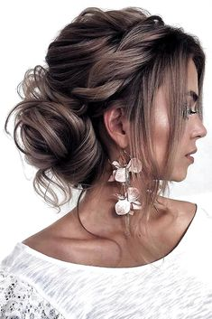 hair updos A Gorgeous Wedding Updo For Long Hair Whether you prefer loose or vintage hairstyles, find the elegant wedding updos for long hair for bride or bridesmaid with us. See more: Long Face Hairstyles, Wedding Hairstyles For Long Hair, Wedding Hair And Makeup, Hairstyles Haircuts, Vintage Wedding Hairstyles, Gorgeous Hairstyles, Bridal Hair Updo Loose, Updo For Long Hair, Wedding Hair Bangs