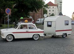 Cutest matching car and van Trailers Camping, Tiny Trailers, Small Trailer, Vintage Campers Trailers, Retro Campers, Vintage Caravans, Camper Trailers, Camping Hacks, Camping Essentials