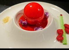 Dessert by Nicolas Descriaux Strawbosphere, Niko's Sweets - Food Reporter