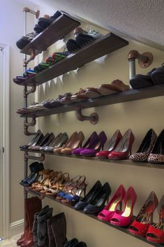 Plumbing pipe furniture Iron Pipe Shoe Rack: 8 Steps (with Pictures) A Few Helpful Tips On How To Bu Storage Hacks, Diy Storage, Storage Ideas, Storage Shelves, Storage Systems, Closet Shelves, Storage Cabinets, Display Shelves, Stair Storage