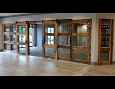 3 Lite wall of sliding doors with RLP flat track