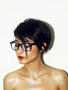 Coupes cheveux courts ete 2017 - http://lookvisage.ru/coupes-cheveux-courts-ete-2017/ #Cheveux #Beauté #tendances #conseils