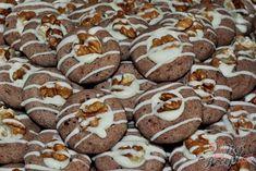 Ihned vláčné a velmi chutné vánoční cukroví, které milovali naše babičky. Miluji recepty, které mají minimálně 40 let. Tento recept mám ještě od své mamky a ta od té své. Určitě vyzkoušejte i vy, jsou fantastické. Autor: Petra Gingerbread Cookies, Breakfast, Christmas, Food, Biscuits, Healthy Cake, Top Recipes, Gingerbread Cupcakes, Morning Coffee