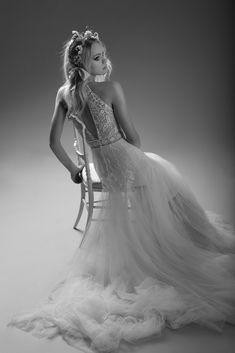 June dress Dreams collection by Lihi Hod Elegant Wedding Dress, Boho Wedding, Wedding Engagement, Rustic Wedding, Wedding Gowns, Dream Wedding, Braid Styles, Vintage Halloween, Beautiful Gowns
