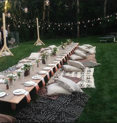 The beautiful table Setting and the scene at the dinner by Athena Calderone.The beautiful table Setting and the scene at the dinner by Athena Calderone.Fantastic Lace Beach wedding dresses ★ More wedding dresses . Outdoor Dinner Parties, Garden Parties, Outdoor Entertaining, Party Outdoor, Boho Garden Party, Garden Picnic, Garden Table, Beautiful Table Settings, Festa Party