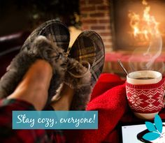 It's getting chilly! Cozy up with your favourite hot drink this evening <3