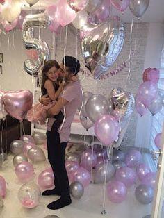 Surprise Birthday Decorations In Your Bedroom First Birthday Party Decorations, Gold Birthday Party, Birthday Diy, Birthday Balloons, First Birthday Parties, Girl Birthday, First Birthdays, Surprise Birthday, 21st Birthday Checklist