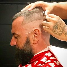 A collection of haircut and barbershop pictures for your viewing pleasure High And Tight Haircut, Flat Top Haircut, Shave My Head, Shaved Sides, Beard Styles, Barber Shop, Shaving, Hair Cuts, Handsome