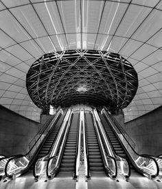 Escalators, Triangeln Station (Malmo) — Christian Wiedel www.vacuumelevators.com #PneumaricVaccum #Elevators