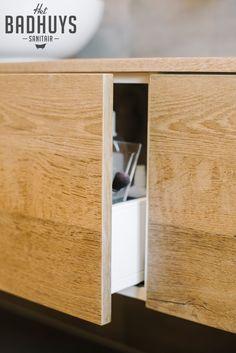 Badkamer met inloopdouche en inbouwkast | Het Badhuys