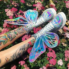 holographic nails Butterfly Holographic Boots got ya lookin like a pretty lil electro fairy! Holographic Boots, Holographic Fashion, Kawaii Shoes, Kawaii Clothes, Cute Shoes, Me Too Shoes, Dolls Kill Shoes, Fashion Shoes, Fashion Outfits