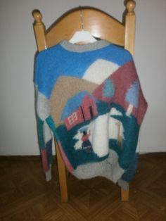 Soms vind je ineens een wollen trui met een lama erop voor 3 euro. Dat wil toch iedereen hebben. Of in ieder geval iedereen die houdt van mooi lelijk.