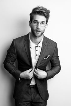 Andre Hamann  STOP WITH YOUR FACE. OH MY JESUS.