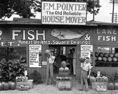 Depth of Field de Walker Evans (1903-1975) exposée jusqu'au 10 janvier 2016, est la première rétrospective de l'œuvre remarquable du photographe depuis les grandes expositions au Museum of Modern Art en 1971 et au Metropolitan Museum of Art en 2000. Elle représente également la première exposition de Walker Evans de cette envergure à être lancée en Europe.