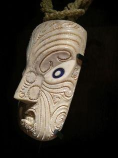 Rangi Kipa Tribal Group, Facial Tattoos, Sculptures, Lion Sculpture, Maori Art, Bone Carving, Hummingbird, My Images, Woodwork