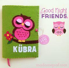 Keçe Kitap Kılıfı / Felt Book Case Good Night Friends, Book Journal, Felt Ornaments, Felt Crafts, Elsa, Projects, Handmade, Notebooks, Cape Clothing